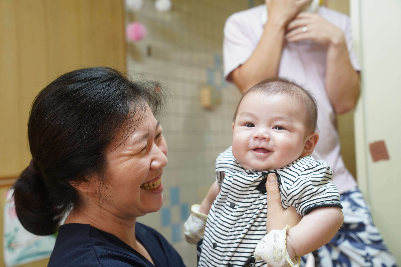 赤ちゃんの心を育む「ブックスタート」
